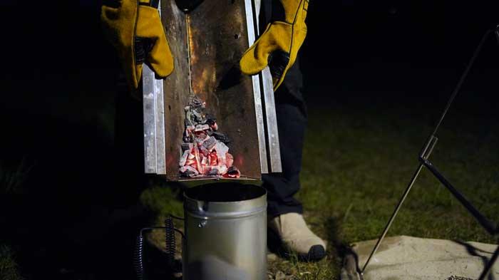 UNIFLAME(ユニフレーム)焚き火ベースsolo灰の片付け方
